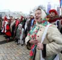 Когда колядуют и щедруют в России